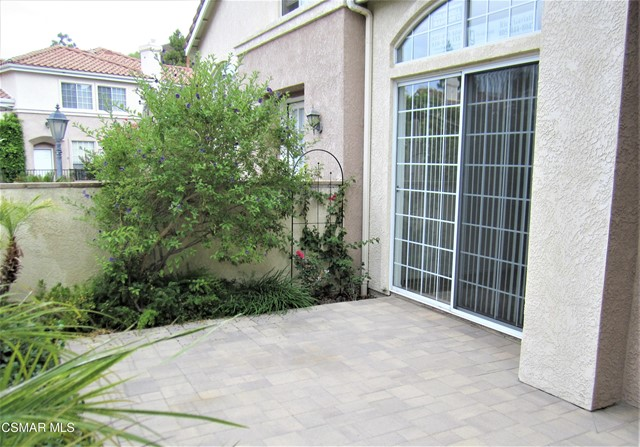 326 Avenida De Royale, Thousand Oaks CA: http://media.crmls.org/mediaz/90C7328A-CB41-422E-B468-8D86488BB773.jpg