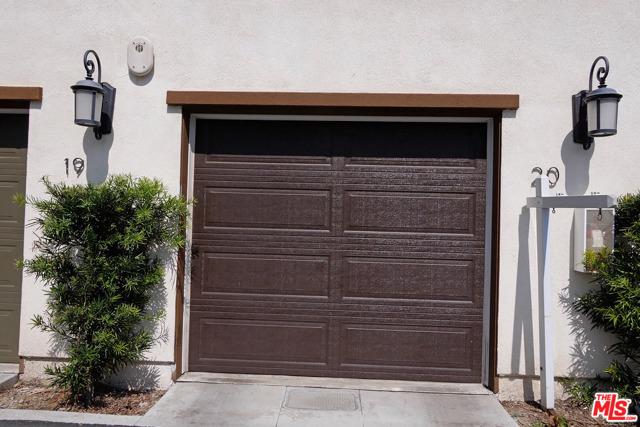 1530 W 1St Street, Santa Ana CA: http://media.crmls.org/mediaz/9172A15B-BE50-46E9-B78E-E29E57C91550.jpg