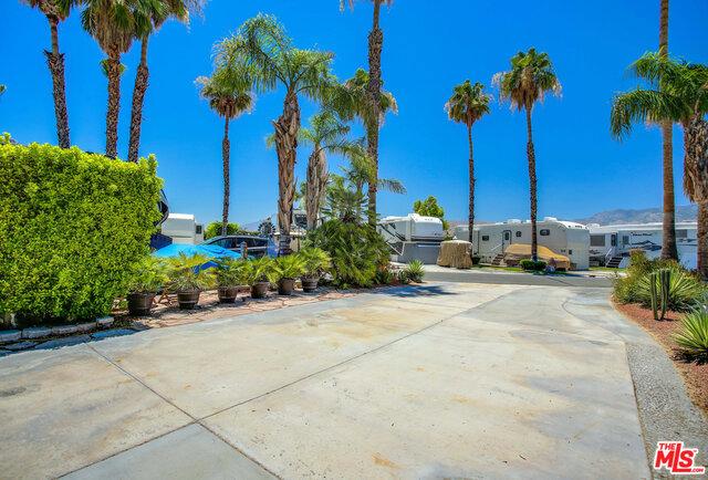 69411 RAMON Road, Cathedral City CA: http://media.crmls.org/mediaz/91AF8BAB-42BA-4B69-9CDC-E4E7A5D06D38.jpg
