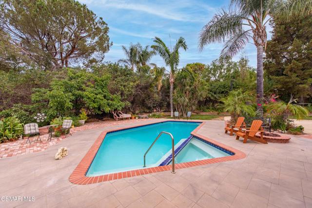658 Bonwit Place, Simi Valley CA: http://media.crmls.org/mediaz/91B9A016-F474-4B02-8149-1F0B2E55F927.jpg