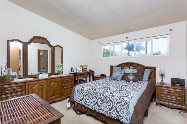 1315 Loretta St, Oceanside CA: http://media.crmls.org/mediaz/91C374AD-933F-401A-9A52-4789F64B83D1.jpg
