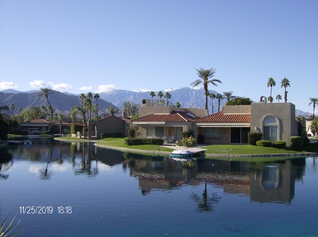 212 Desert Lakes Drive, Rancho Mirage CA: http://media.crmls.org/mediaz/91C858CC-ADF9-44EF-96C0-173B67A5CE52.jpg