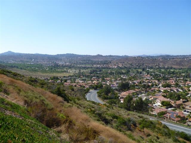 3251 Vista Cielo Ln, Spring Valley CA: http://media.crmls.org/mediaz/91F7E830-5F20-47FC-930D-F48EFCA5E55F.jpg