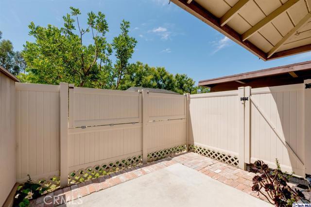 28801 Conejo View Drive, Agoura Hills CA: http://media.crmls.org/mediaz/9213BED4-D13C-4BD7-917D-431FC626E0BA.jpg