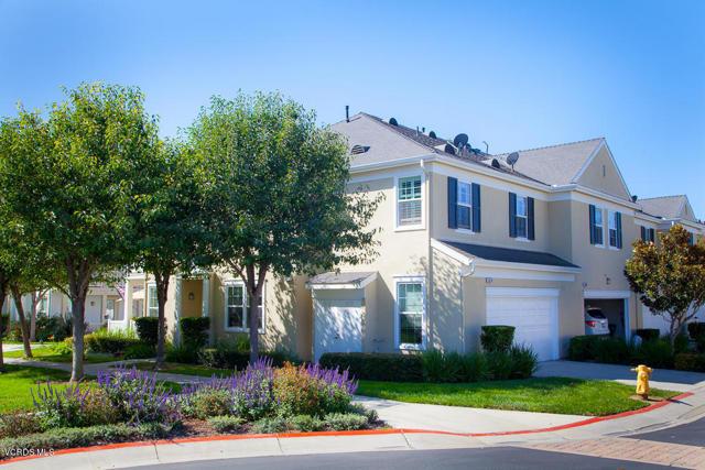 5570 Coltrane Street, Ventura CA: http://media.crmls.org/mediaz/928D66E7-086F-4DAA-B103-D0A00DE89025.jpg