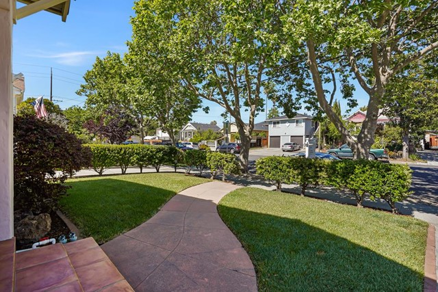 479 8th Street, San Jose CA: http://media.crmls.org/mediaz/92B63A93-7F44-4DFE-B59C-D979CDAC6228.jpg