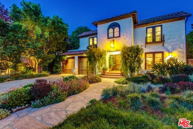 Single Family Home for Sale at 74 Fremont Place Los Angeles, California 90005 United States