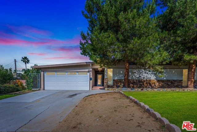 14137 Viburnum Drive, Whittier CA: http://media.crmls.org/mediaz/935E522E-3965-4C43-9390-3BE52D62414A.jpg