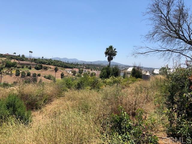 4574 Valle Del Sol, Bonsall CA: http://media.crmls.org/mediaz/93A3369A-430E-40B8-B743-A49A0E40F628.jpg