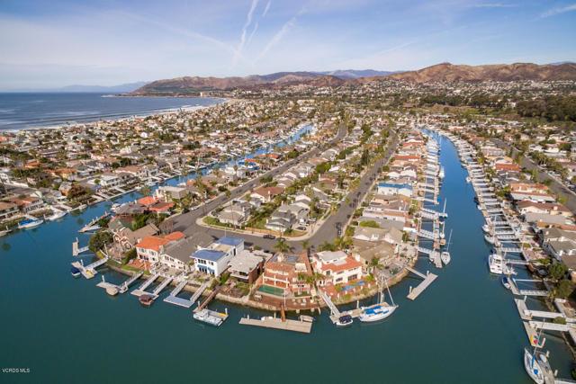 2847 E Harbor Boulevard, Ventura CA: http://media.crmls.org/mediaz/93F5FC8C-0EF4-4CB3-8ACF-1ECAD3B20127.jpg