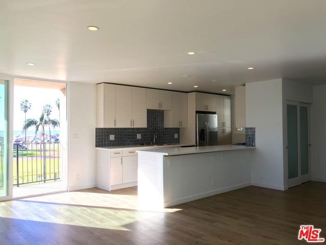 Condominium for Rent at 6824 Esplanade Playa Del Rey, California 90293 United States