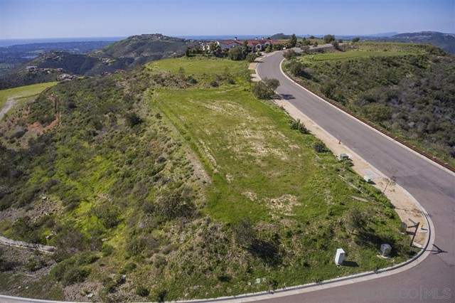 0 Via Rancho Cielo, Rancho Santa Fe CA: http://media.crmls.org/mediaz/947CC5D2-17C9-4D4B-A16F-F9675ED0C6B3.jpg