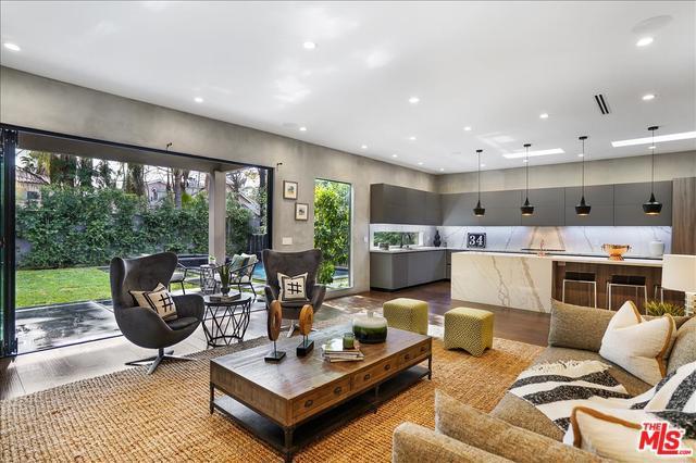 Photo of 15024 HESBY Street, Sherman Oaks, CA 91403