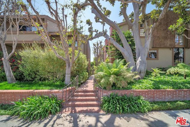 323 San Vicente 12 Santa Monica CA 90402