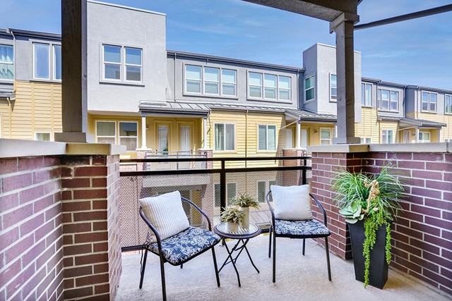 1869 Sable Place, San Jose CA: http://media.crmls.org/mediaz/95438A35-37CC-4A2F-A921-5291C8AD896E.jpg