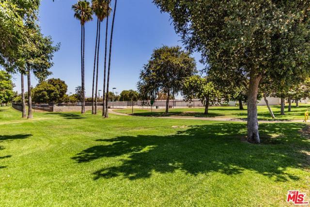 1409 W Olympic Boulevard, Montebello CA: http://media.crmls.org/mediaz/95545652-894D-47E0-A736-CA7A38BFB32D.jpg