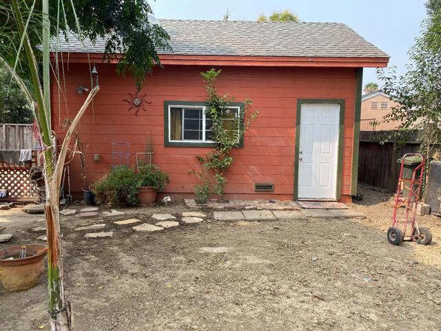 124 24th Street, San Jose CA: http://media.crmls.org/mediaz/95D79602-DB78-4AC6-A8DE-E0D7AE8F5FE0.jpg