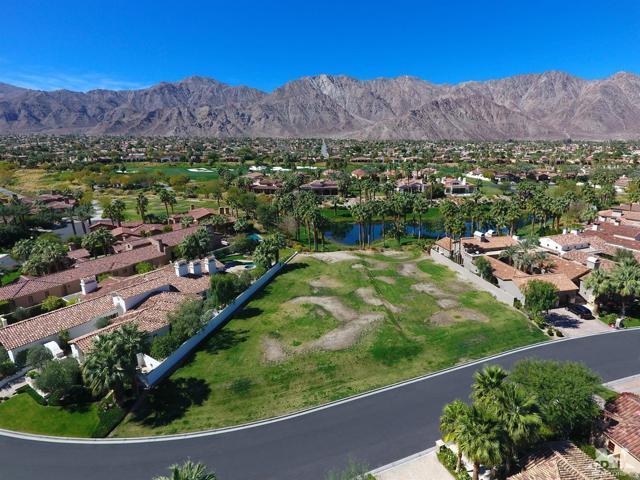 52940 Latrobe Lane, La Quinta CA: http://media.crmls.org/mediaz/95EA3AC3-1F99-437F-B9A3-97A5A9AF9925.jpg