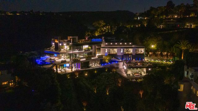Photo of 1426 Summitridge Drive, Beverly Hills, CA 90210