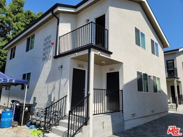 14711 Saticoy Street, Van Nuys CA: http://media.crmls.org/mediaz/967D8D7C-CA7B-4229-A539-34BA104ECF90.jpg