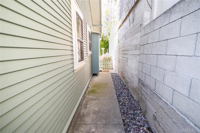 2339 Brant St, San Diego CA: http://media.crmls.org/mediaz/96811DB9-D4CA-4F56-AD34-61712481D0D2.jpg