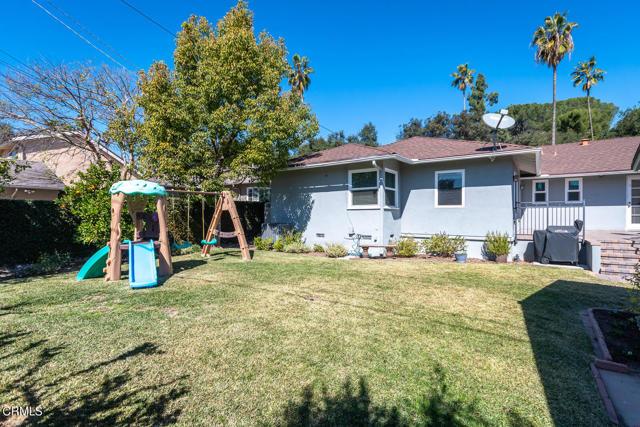 2180 Brigden Road, Pasadena CA: http://media.crmls.org/mediaz/96A5A5B8-AC66-4350-B4C1-8ABF6A6385C4.jpg