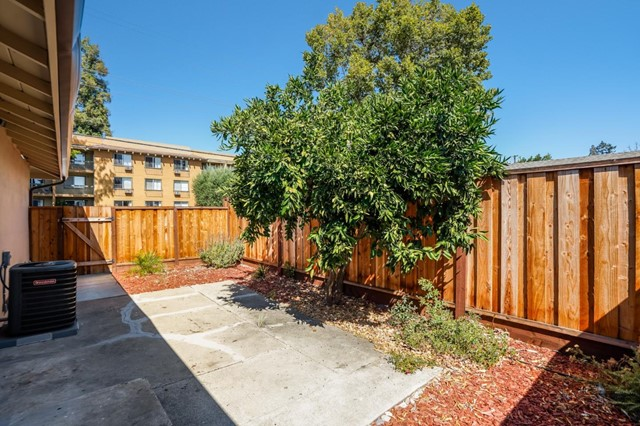 618 Cypress Avenue, San Jose CA: http://media.crmls.org/mediaz/96CBF5CB-C9B0-4D6E-A009-68C870E1A5F4.jpg