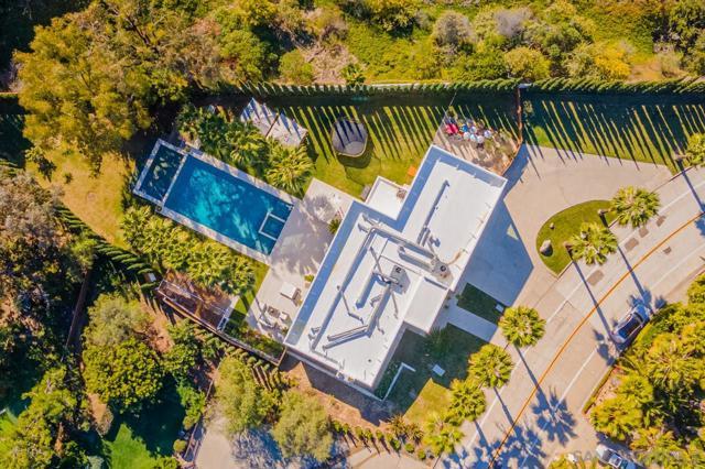 7713 Esterel Drive, La Jolla CA: http://media.crmls.org/mediaz/96DCE717-152E-4A53-8A8D-1C486398DB5C.jpg