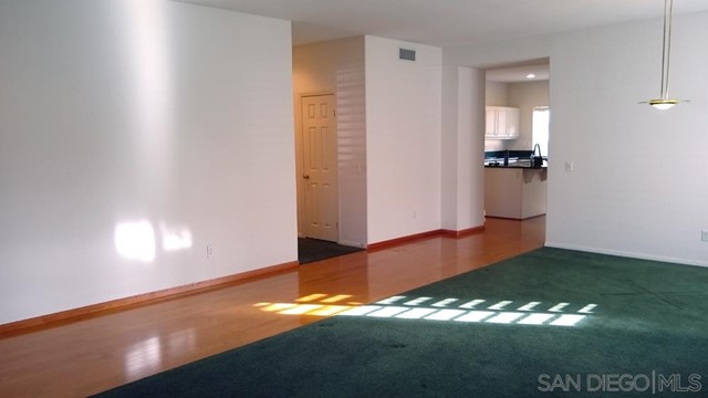 452 Lexington Cir, Oceanside CA: http://media.crmls.org/mediaz/972C4DA3-B3B1-4206-9EBA-FA9107D4C34D.jpg