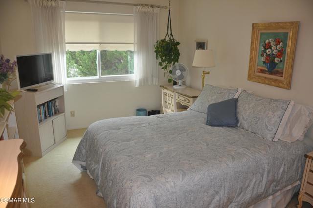 2024 Rosebay Street, Westlake Village CA: http://media.crmls.org/mediaz/97811125-0585-441D-A900-3B938240A951.jpg
