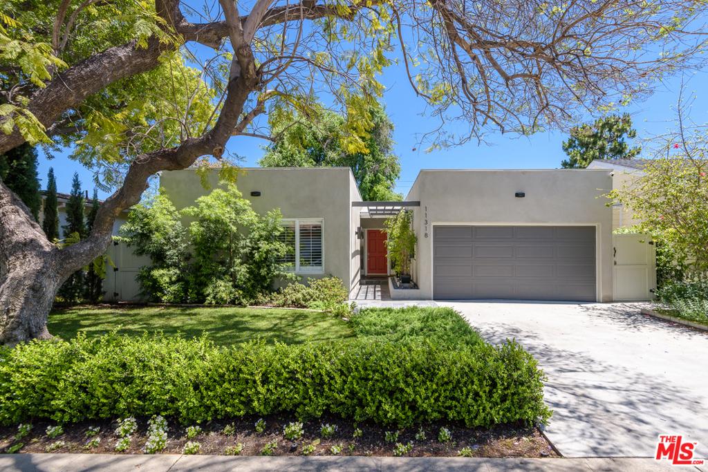 11318 Farlin Street #  Los Angeles CA 90049