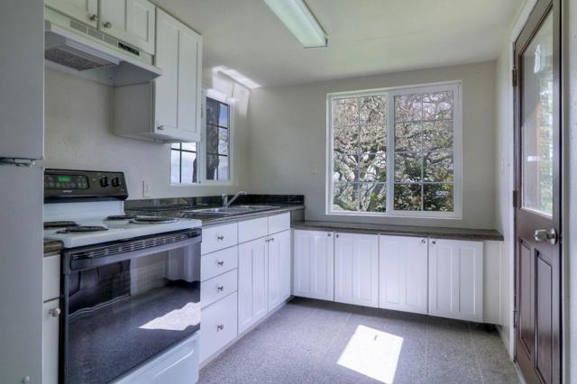 500 El Caminito Road, Carmel Valley CA: http://media.crmls.org/mediaz/97FACC43-0D81-4401-B483-9A10515BF0B5.jpg
