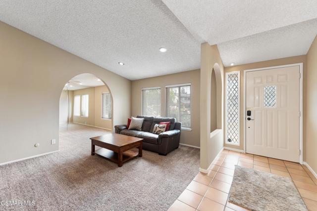 658 Bonwit Place, Simi Valley CA: http://media.crmls.org/mediaz/980578CA-595D-41EF-85EE-187F9DC8C523.jpg
