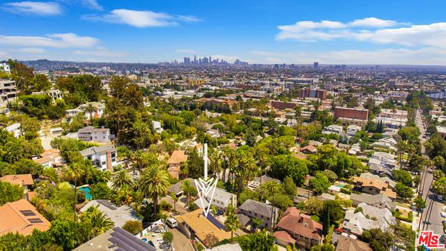 2027 Morgan Hill Drive, Los Angeles CA: http://media.crmls.org/mediaz/981B4909-29F5-4B6E-A8A1-D815509BD1BD.jpg