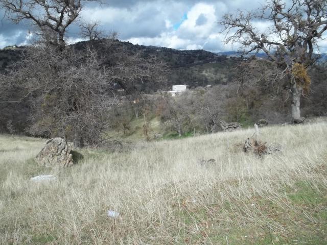 18561 Kern, Tehachapi CA: http://media.crmls.org/mediaz/9829AF50-8EB7-4800-B467-7ABCC73BE13F.jpg