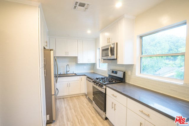 Condominium for Rent at 1024 Maple Street Santa Monica, California 90405 United States