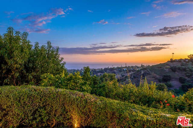 16258 Shadow Mountain Dr, Pacific Palisades, CA 90272 photo 34