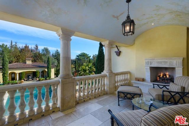 416 Meadowbrook Drive, Montecito CA: http://media.crmls.org/mediaz/98B845F1-02B9-4605-90B6-082730D9A594.jpg