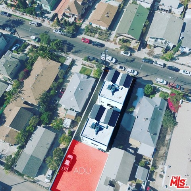 1740 S New England Street, Los Angeles CA: http://media.crmls.org/mediaz/98C5FC0F-3BD3-4083-8EE1-DF8BAF2EBD09.jpg