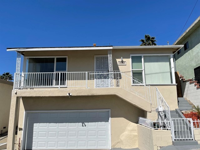Detail Gallery Image 1 of 1 For 1853 Seigneur Ave, Los Angeles,  CA 90032 - 3 Beds | 1 Baths
