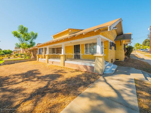 5701 7th Avenue, Los Angeles, California 90043, 2 Bedrooms Bedrooms, ,1 BathroomBathrooms,Residential,For Sale,7th,819004930