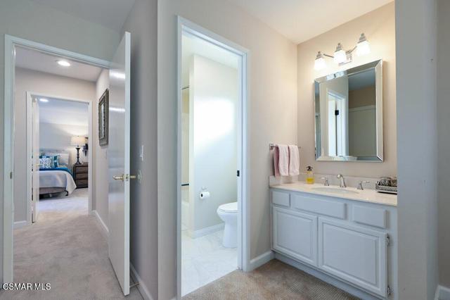 931 Evenstar Avenue, Westlake Village CA: http://media.crmls.org/mediaz/992B4BDB-2658-48D4-9176-E4BEF3B08D13.jpg
