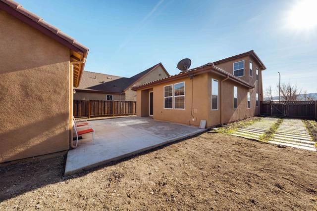670 Meyer Street, King City CA: http://media.crmls.org/mediaz/993565C1-CEA9-4669-AFF2-978E2FD6EE6D.jpg