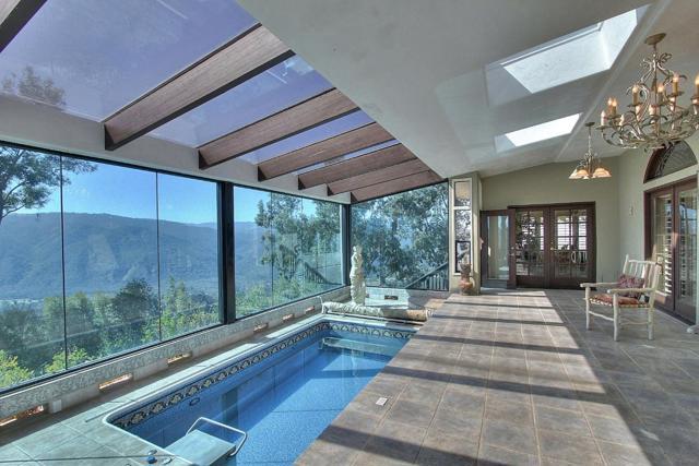300 Country Club, Carmel Valley CA: http://media.crmls.org/mediaz/99941EFB-3297-4BBC-A375-15F1B3D9A259.jpg