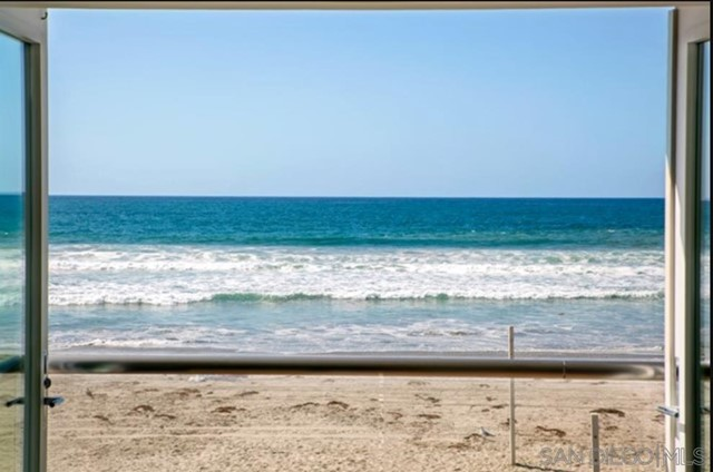 2606 Ocean Front, Del Mar CA: http://media.crmls.org/mediaz/99CCF413-7E55-40D0-986B-D7B247F64025.jpg