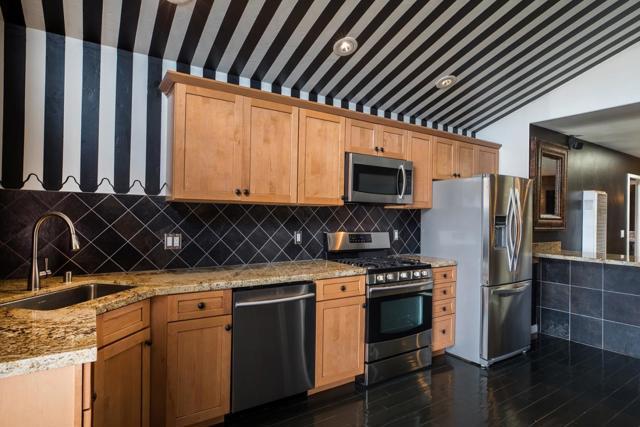 370 Shasta Street, Sand City CA: http://media.crmls.org/mediaz/99DECFE6-FBAC-4BEC-8018-4EC9E40815C1.jpg