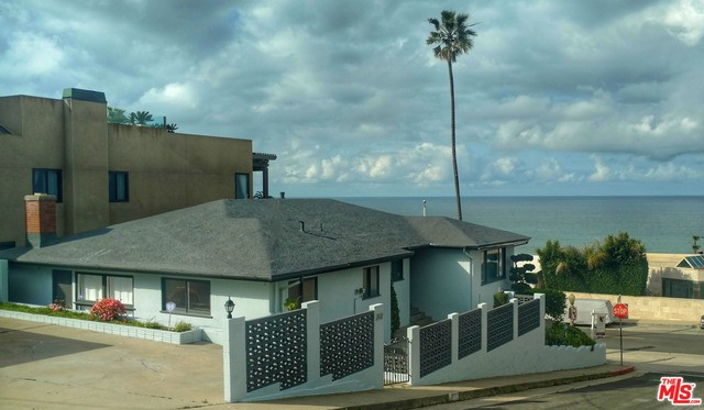 Single Family Home for Rent at 202 Manchester Avenue W Playa Del Rey, California 90293 United States