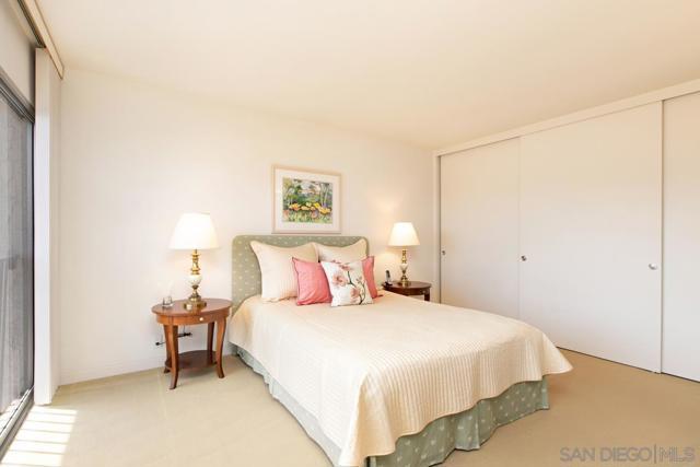 7811 Eads Avenue, La Jolla CA: http://media.crmls.org/mediaz/9AAD88D7-A6F7-49A7-9D8C-D180AE10FE34.jpg