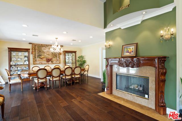 4311 Coquette Place, Tarzana CA: http://media.crmls.org/mediaz/9AC17462-1834-494D-9622-0EC4382C247D.jpg