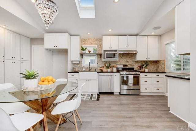 Detail Gallery Image 1 of 1 For 754 Snapdragon St, Encinitas,  CA 92024 - 3 Beds | 2 Baths